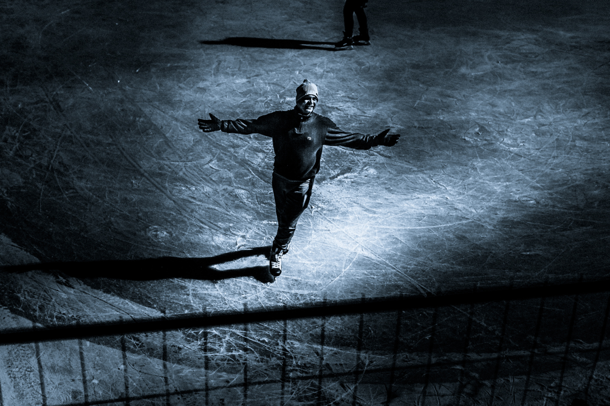1_Budapest-Ice-Skating-by-Claudio-Ahlers-5