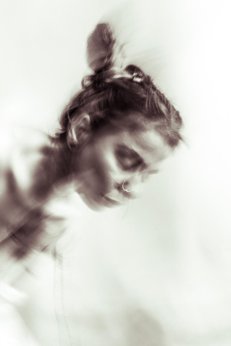 Priya-Moving-by-Claudio-Ahlers-1
